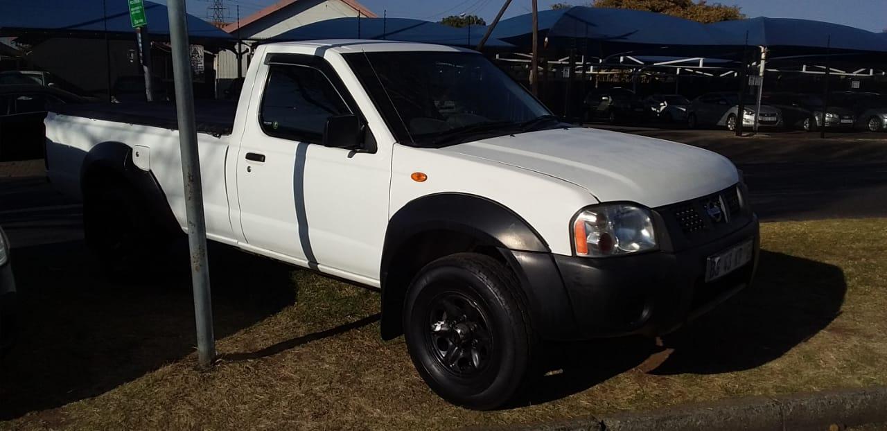 Nissan hardbody np300,2012