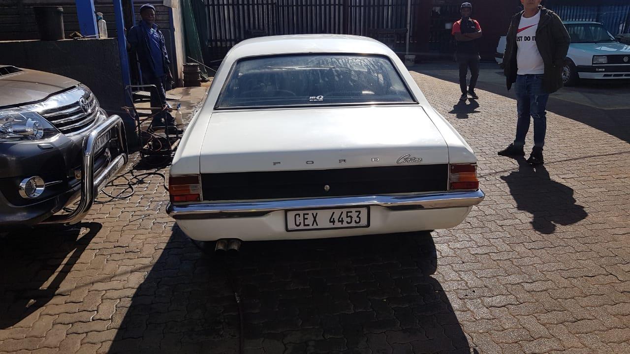 1975 Ford Cortina