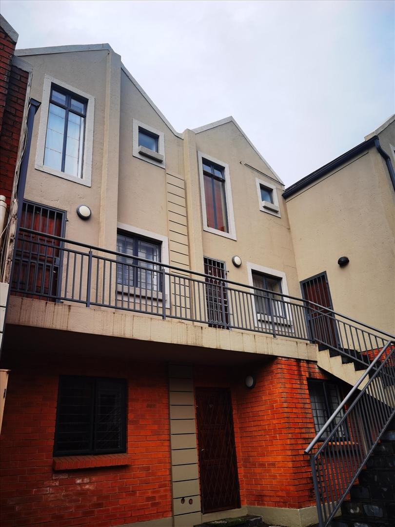 Apartment For Sale in Cresta