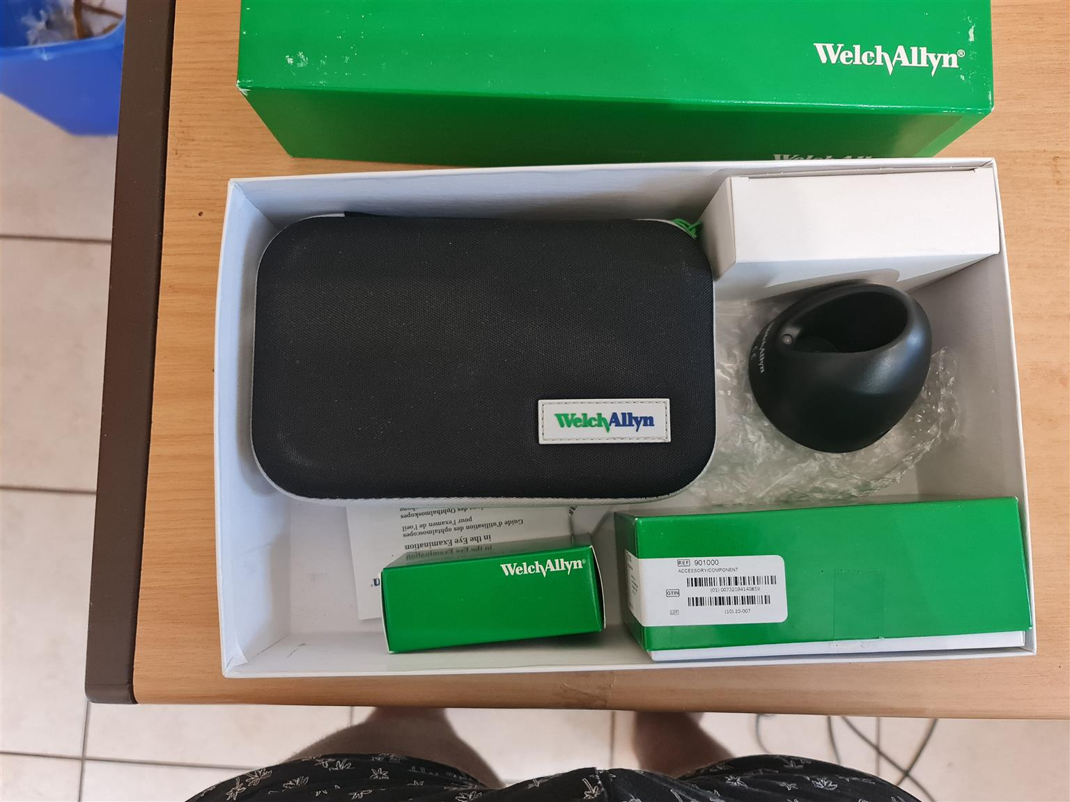 Mint condition  welch allyn rechargeable diagnostic set