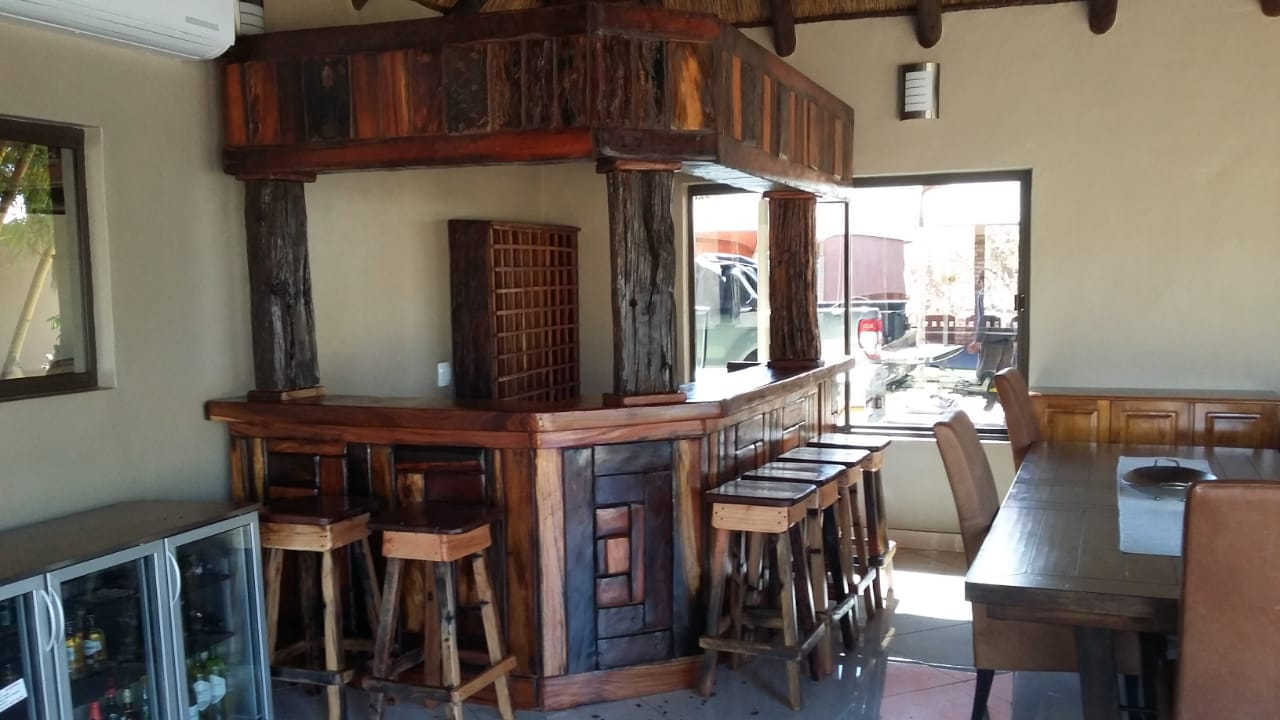 6 Seater bar