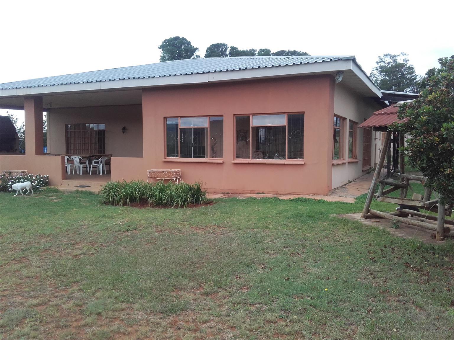 Geluksburg - Northern Drakensberg Area (Bergville)