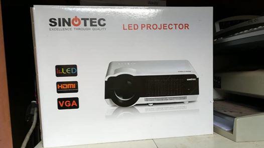 Sinotec projector en screen 2x1.5