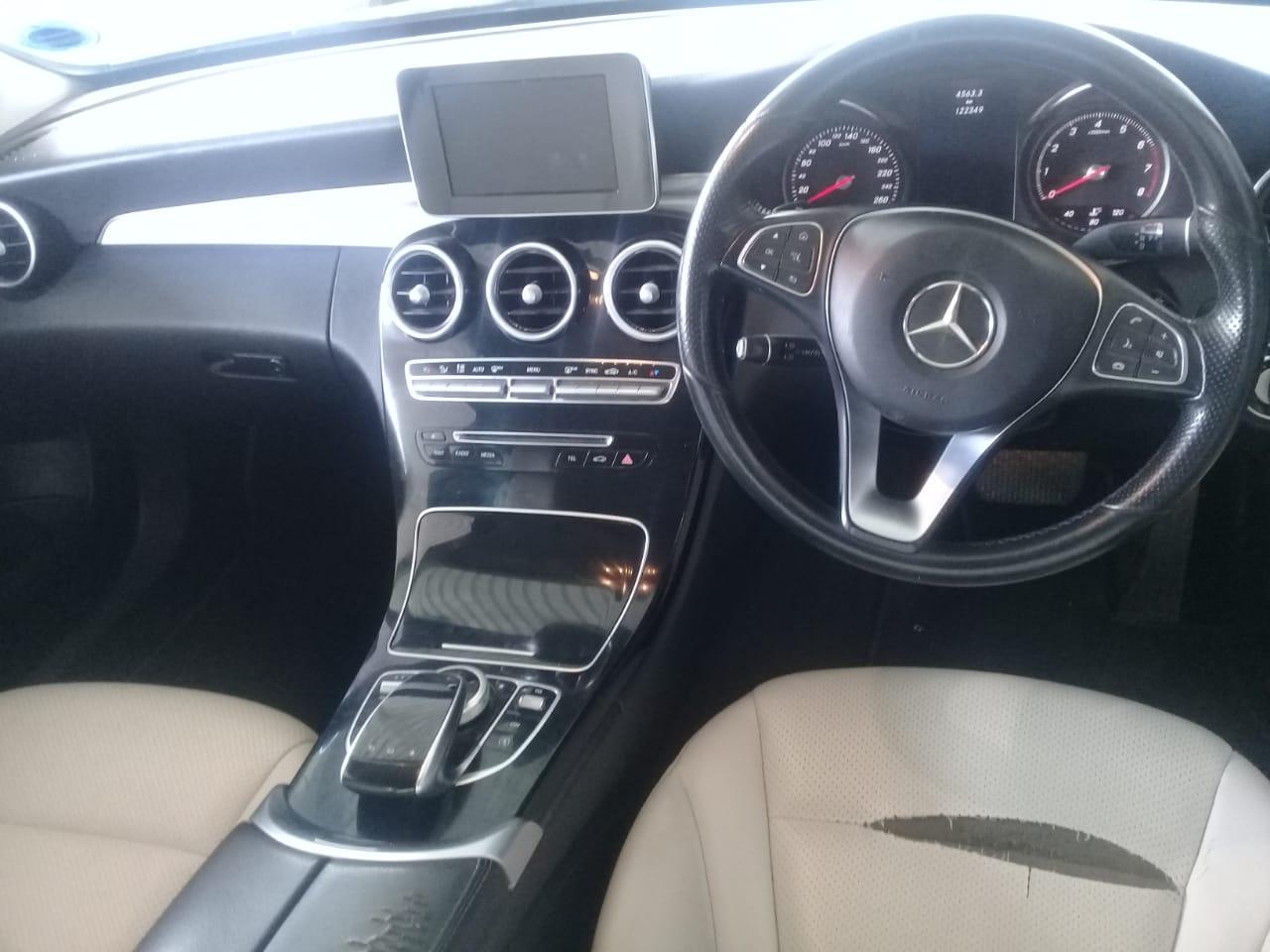 Mercedes Benz 220D