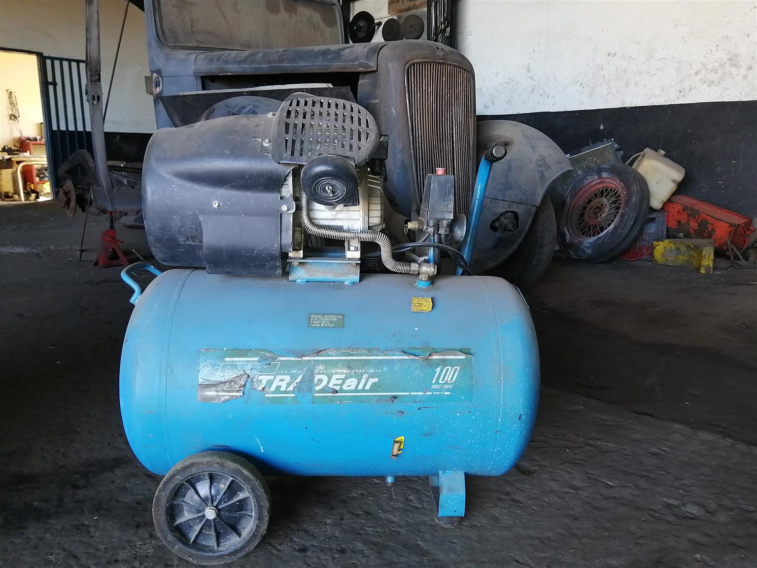 Air compressor like new