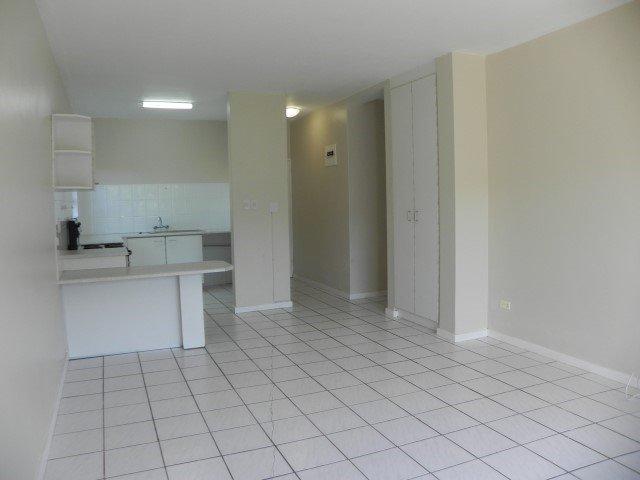 2 Bedroom Ground Floor Apartment in Uvongo