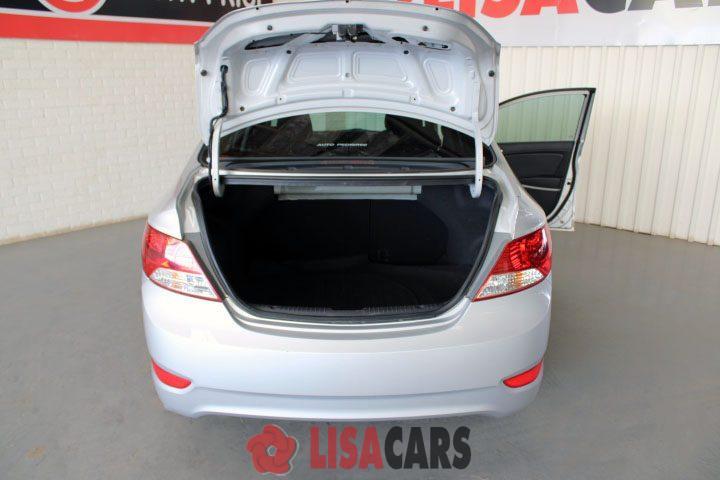 2011 Hyundai Accent sedan 1.6 Motion