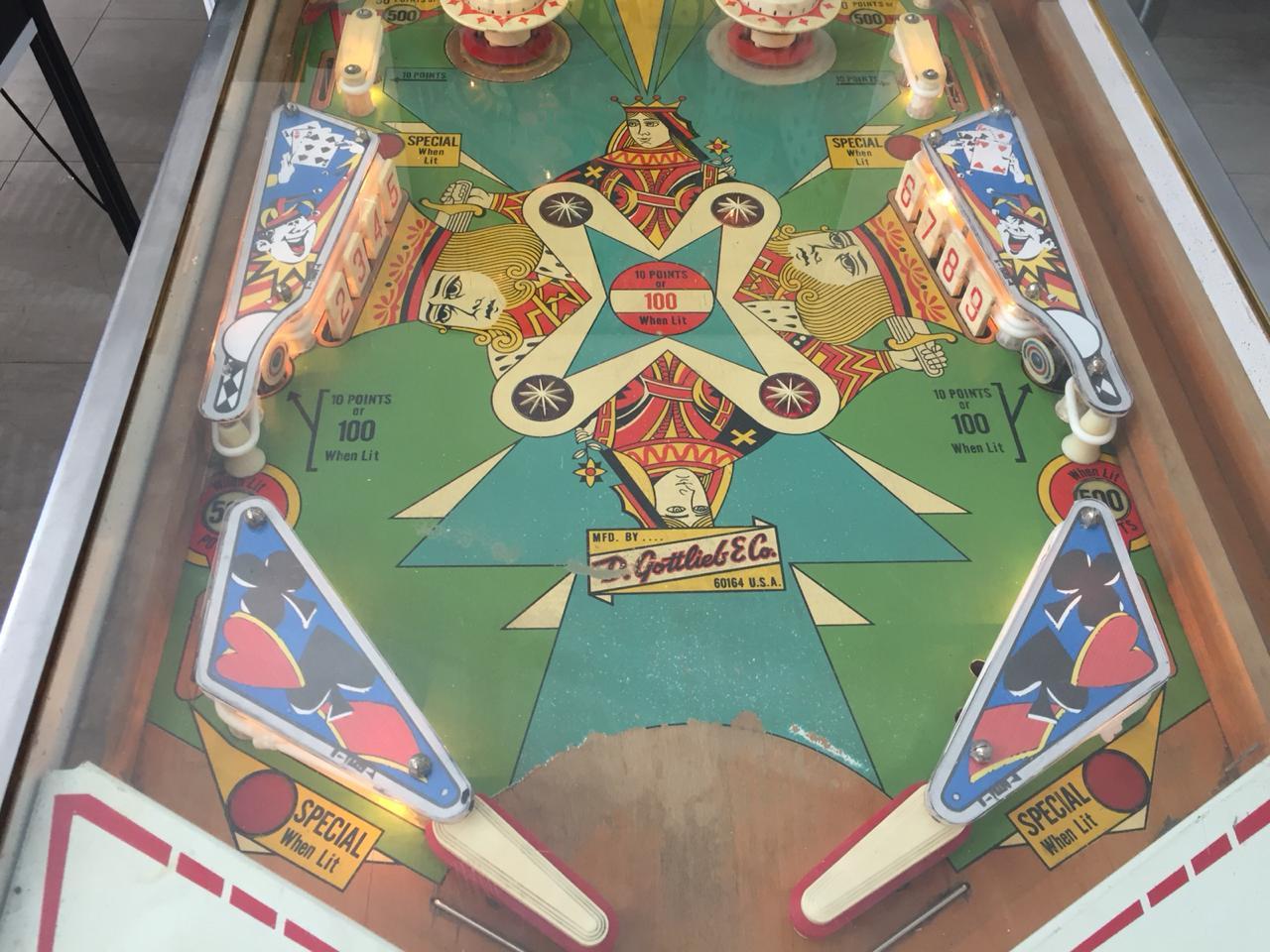 Pinball machine Drop-A-Card 1 player by Gottlieb