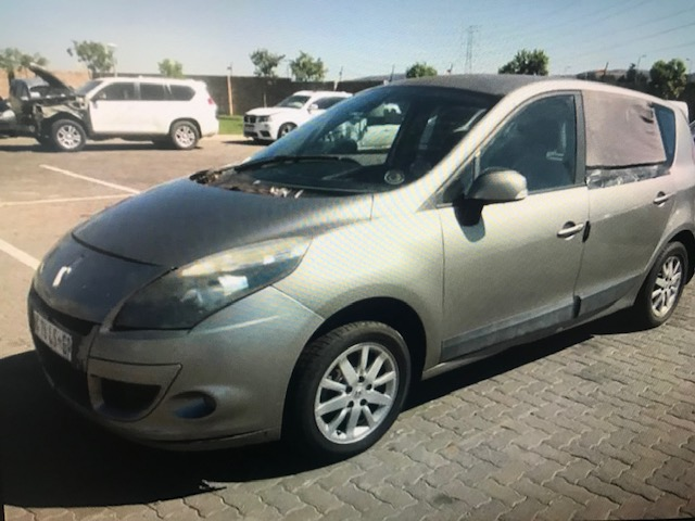 Renault Scenic 3 -1.6 Expression 2010 3