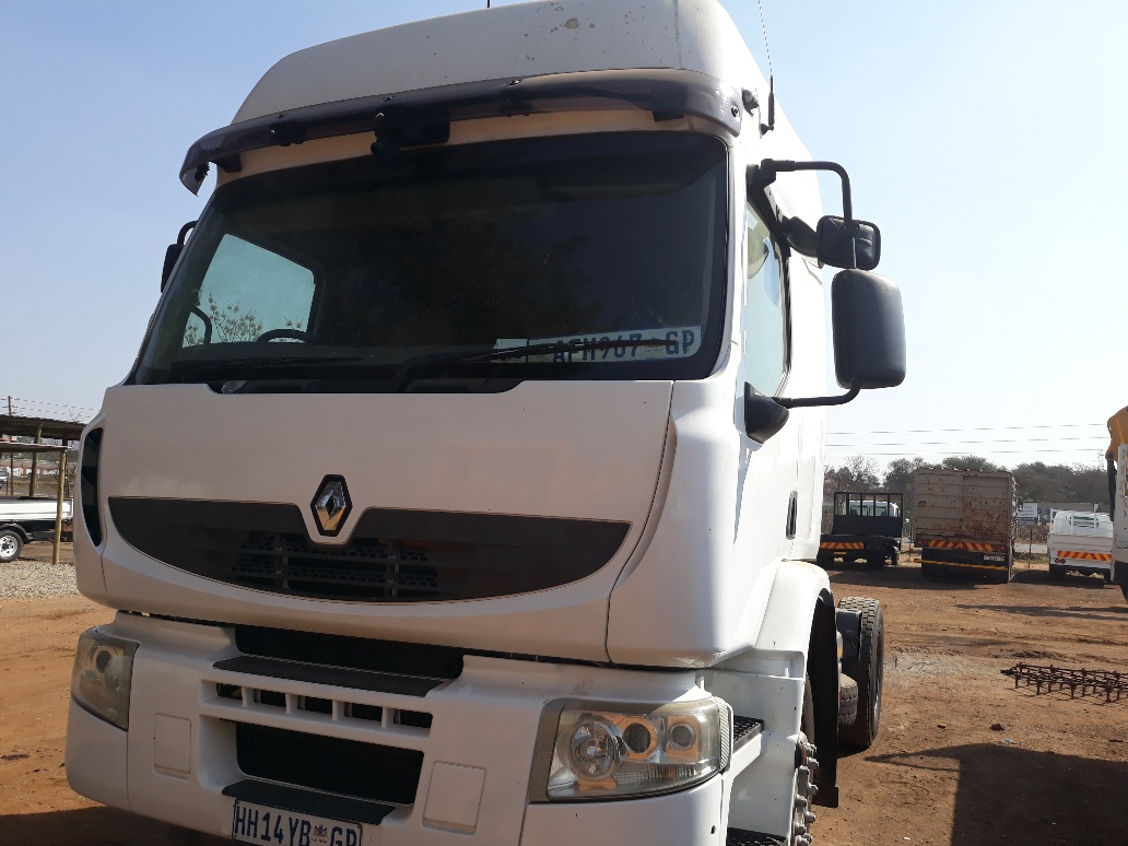 RENAULT SINGLE AXLE HORSE