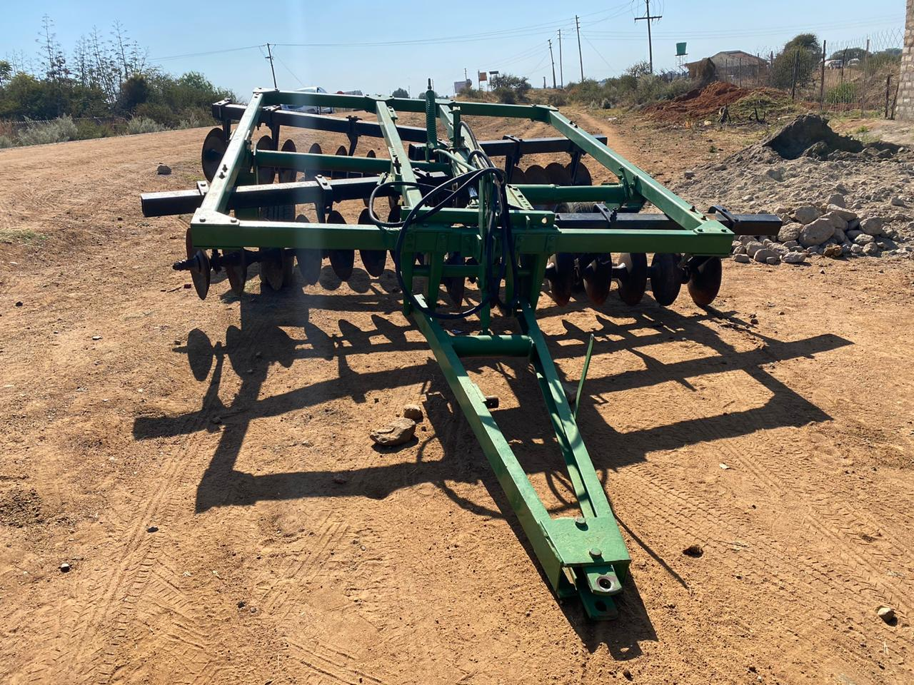 32 Skottel/ disc Hydraulic Trailled Plough