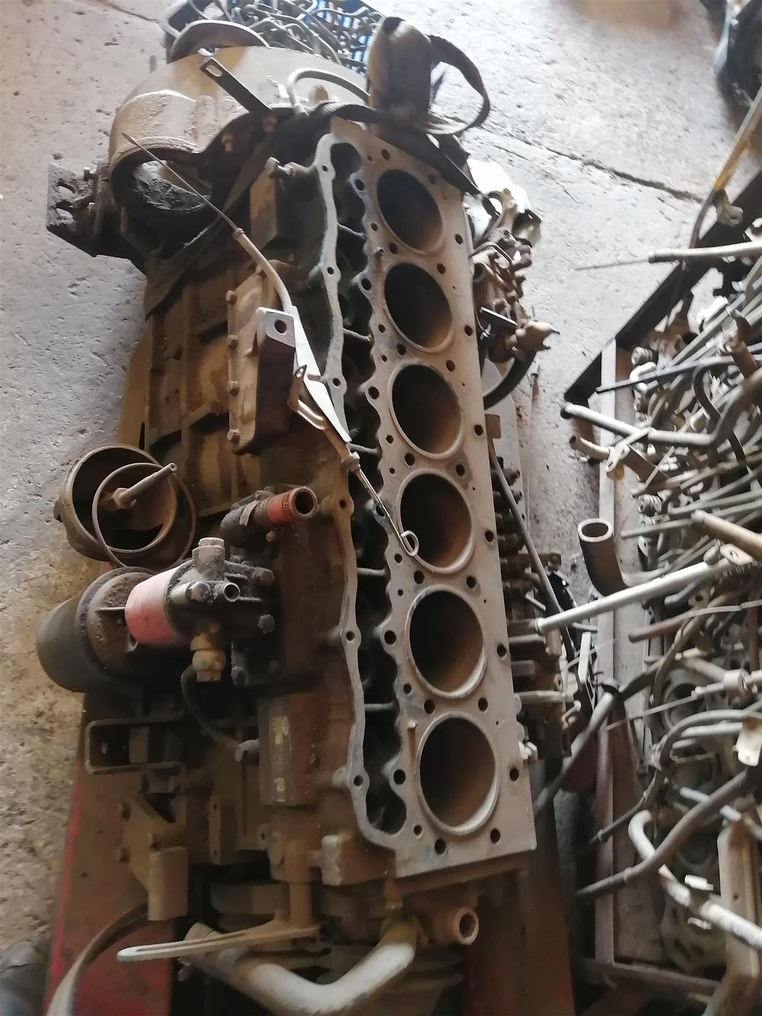 stripping FAW 6 cylinder diesel engine ca6110 for spares