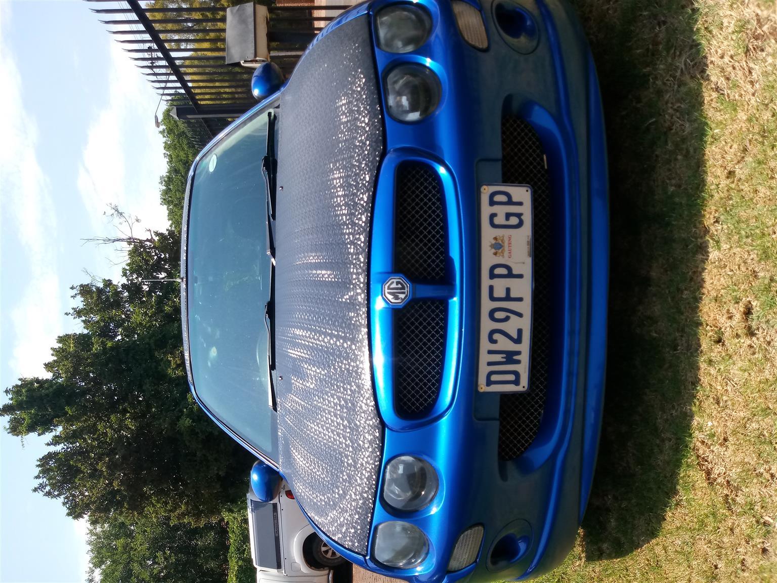 2004 MG MGB