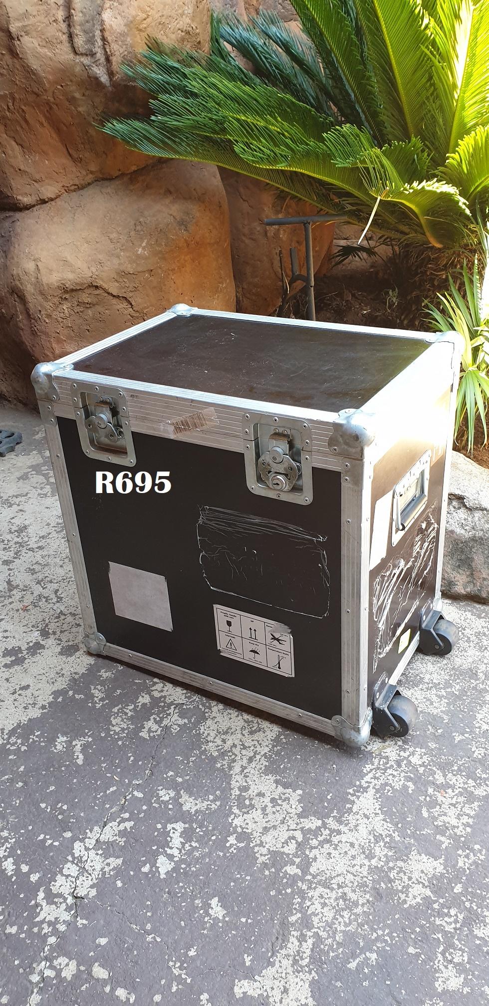Heavy Duty Aliminium Box on Wheels (535x390x530)