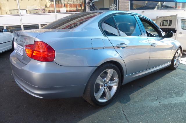 2010 BMW 3 Series 320i Touring