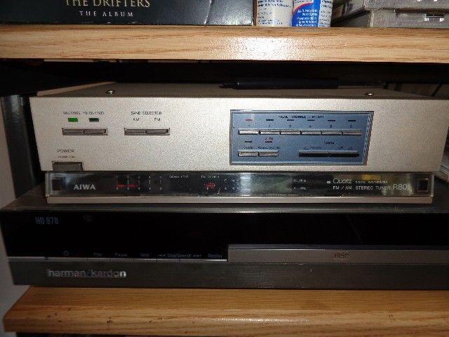 Aiwa R80 FM / AM Digital Tuner