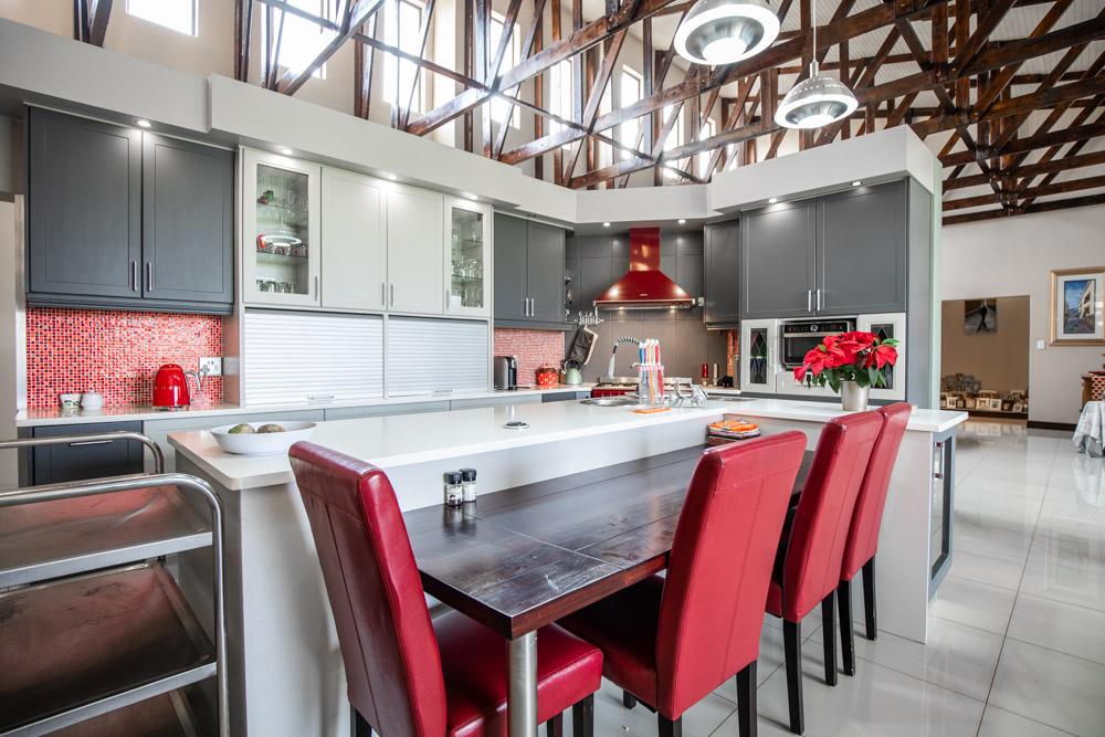 Stunning 748m2 Single Storey Home in Mooikloof Glen Estate, Pretoria East