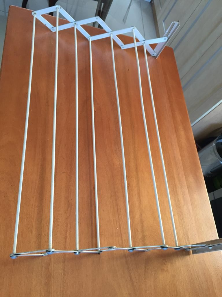 Wall mounted compact clothes drying line - 7 lines
