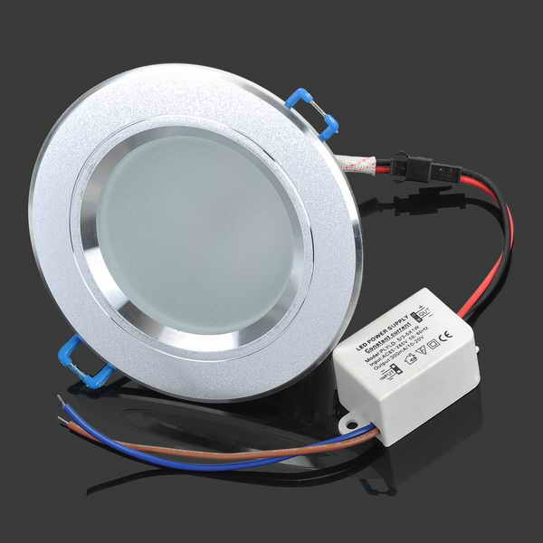 LED Light Bulbs: 5W Ceiling Light / Spotlight Complete Ready to Use Units. Brand New Products.