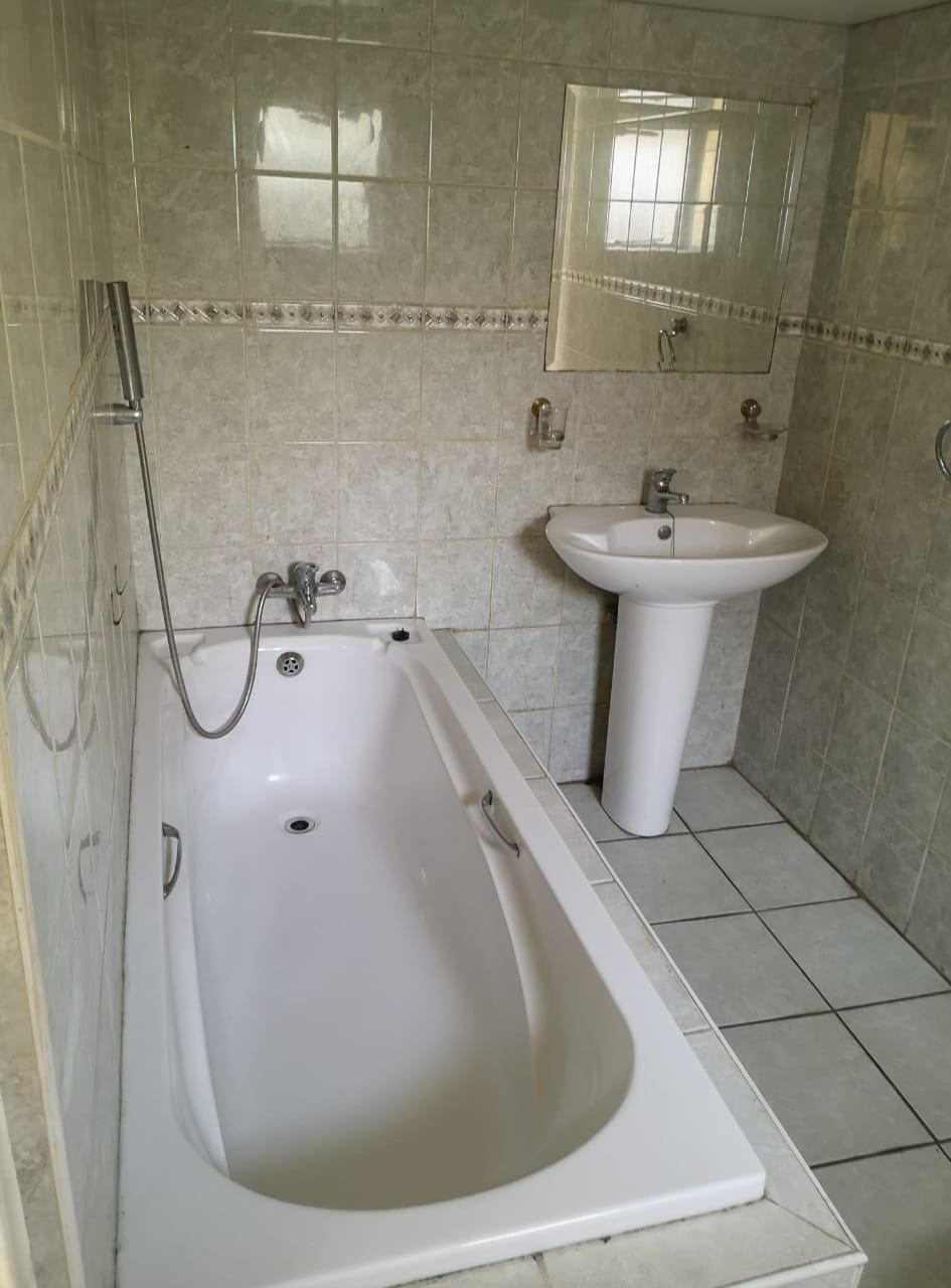 Safe and Secure 1 Bedroom Cottage to Rent in Kensington B - Collins