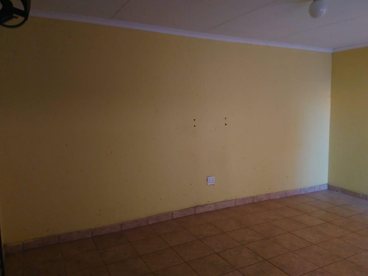 Garage to rent.in vosloorus ext5