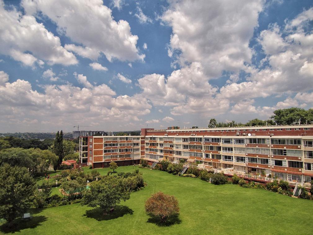 Apartment Rental Monthly in Illovo