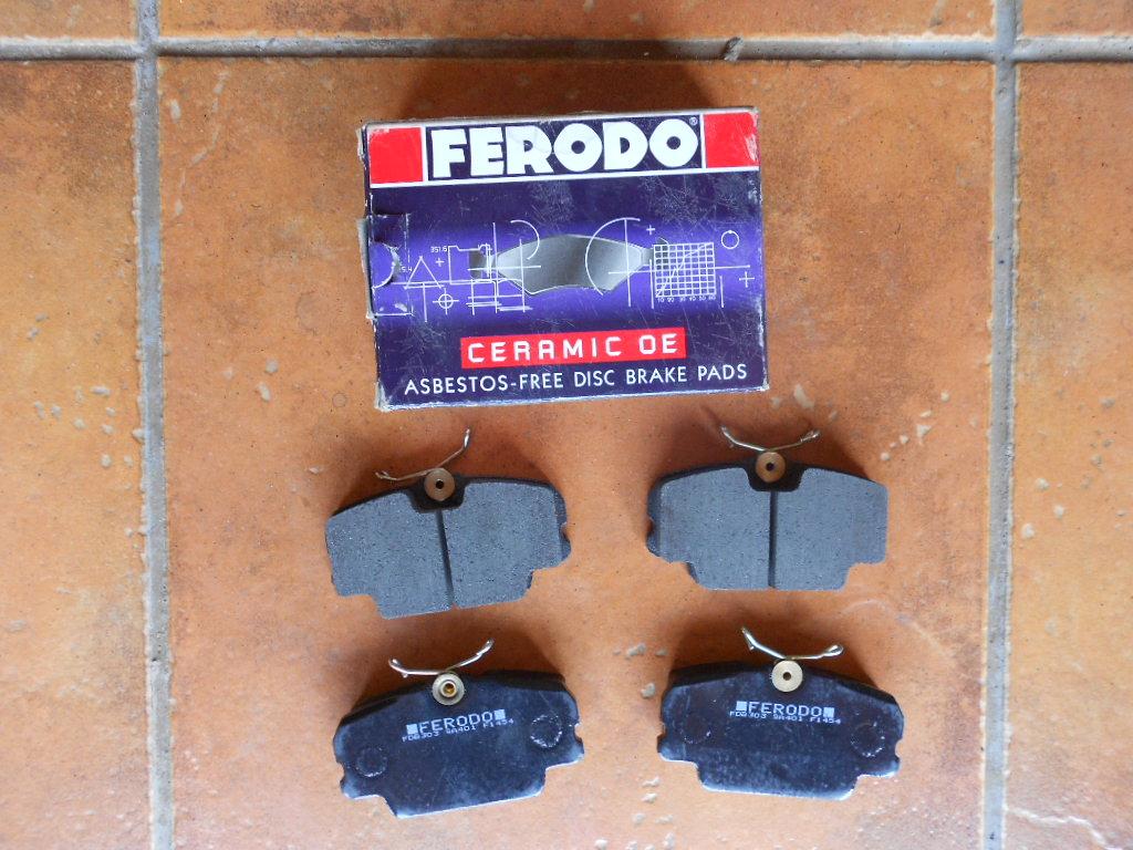 Brake pads for Mercedes 190E