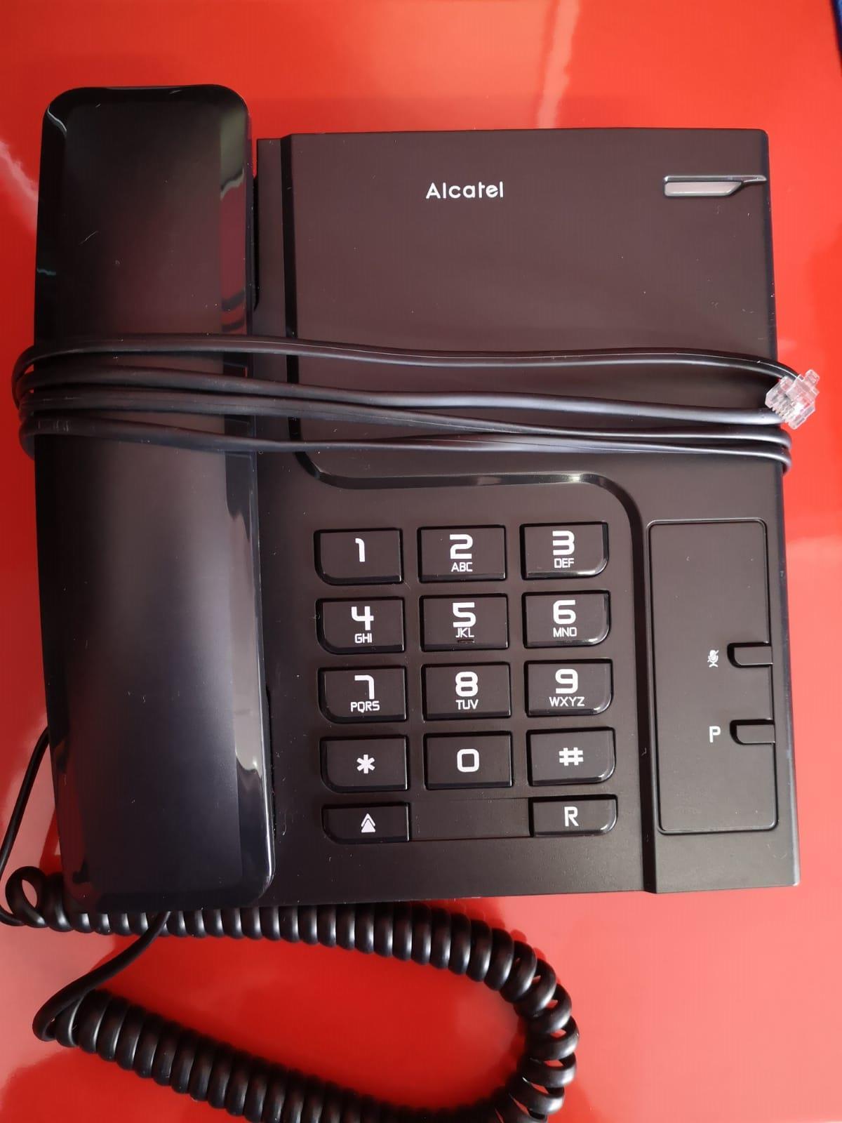 Alcatel T26 Corded Landline Phone (Black)