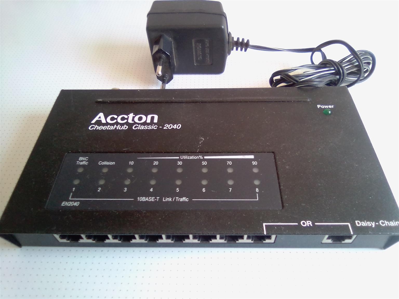 Acton CheetaHub 8+1 slots plus BNC connectors. Power supply included.