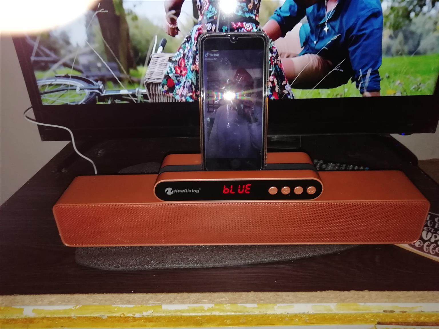 New rixing nr-5017 bluetooth 3d wireless Bluetooth SOUNDBAR speaker brand new in box never used!