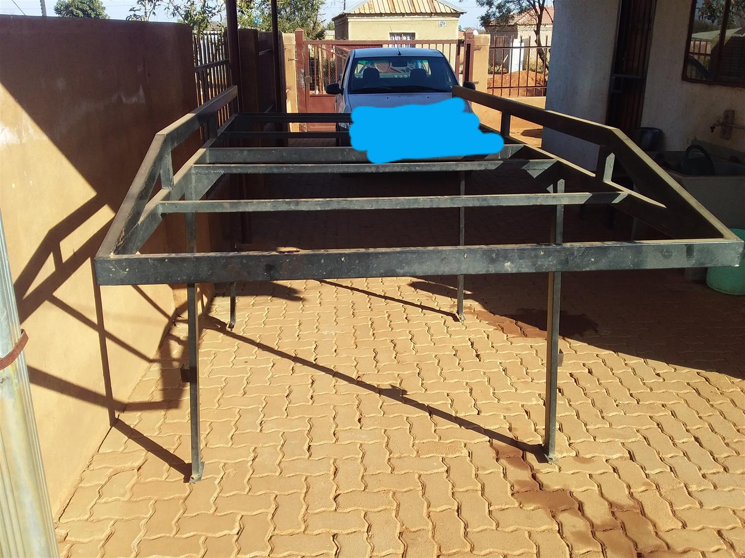 This is an Mp200/1400 carrier for sale. Used but not damaged