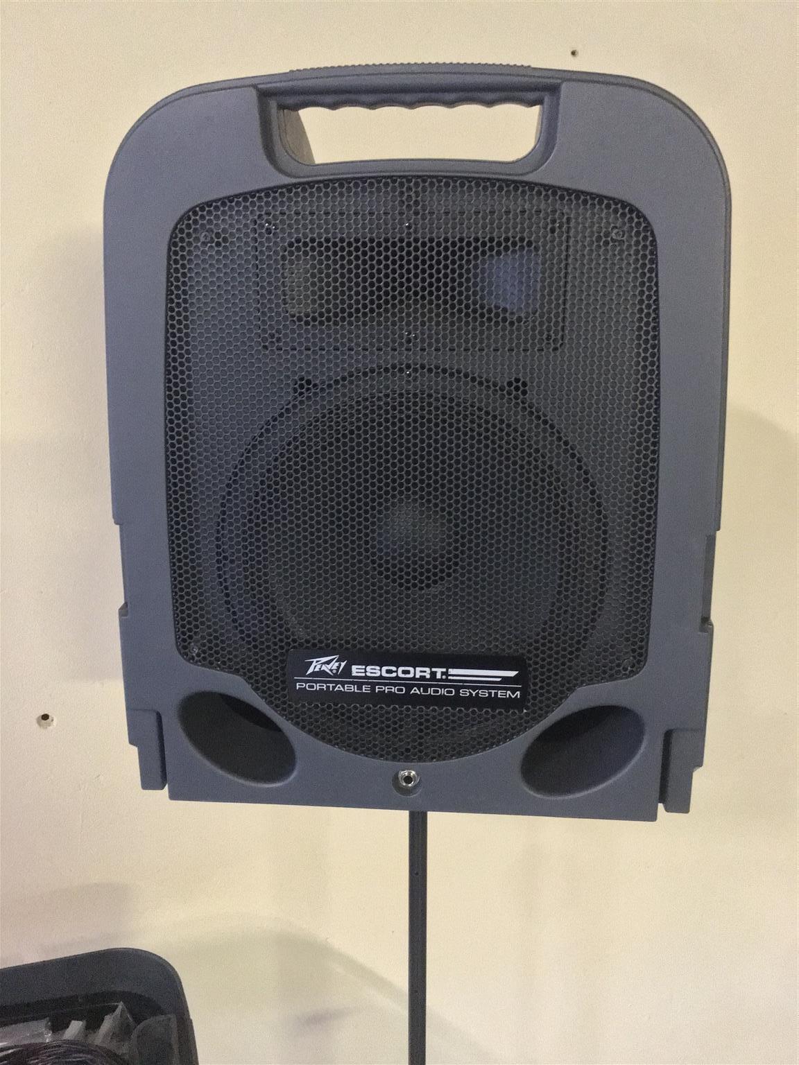 Peavey Escort 3000 portable PA sound system