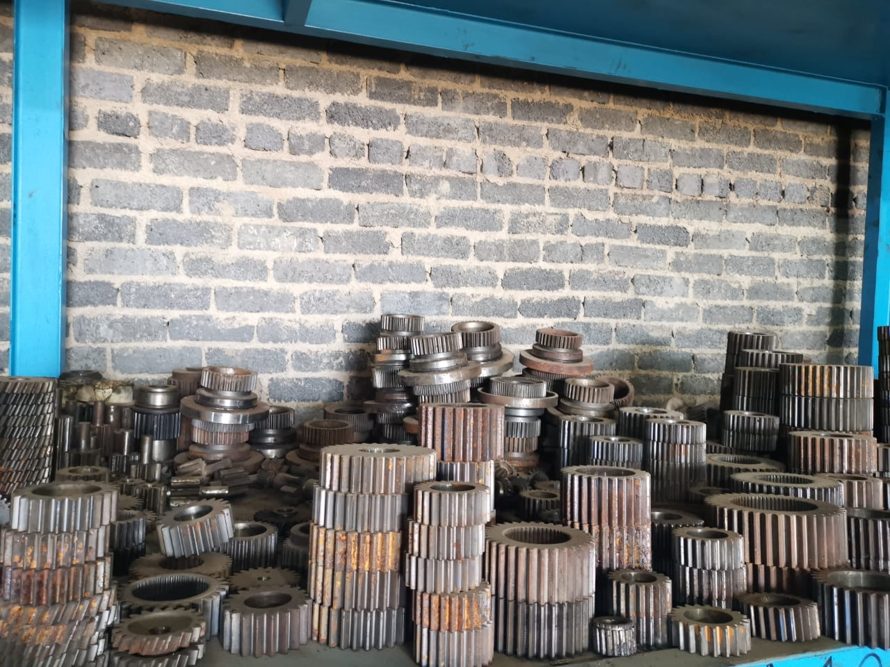 Komatsu gears and engine parts