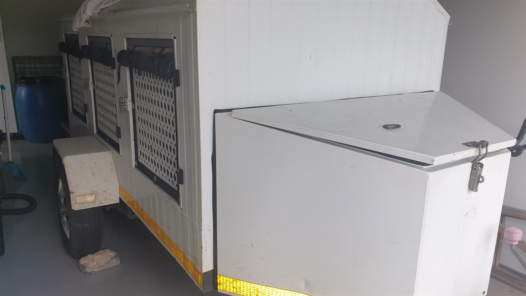 6 box dog trailer