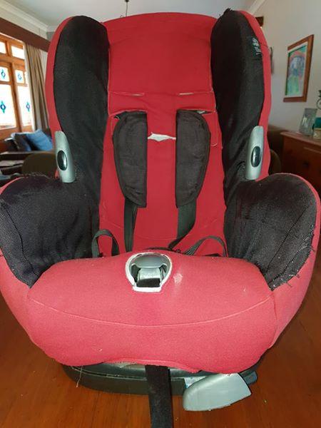 Maxi Cosi Car Seat For Sale GREAT Price