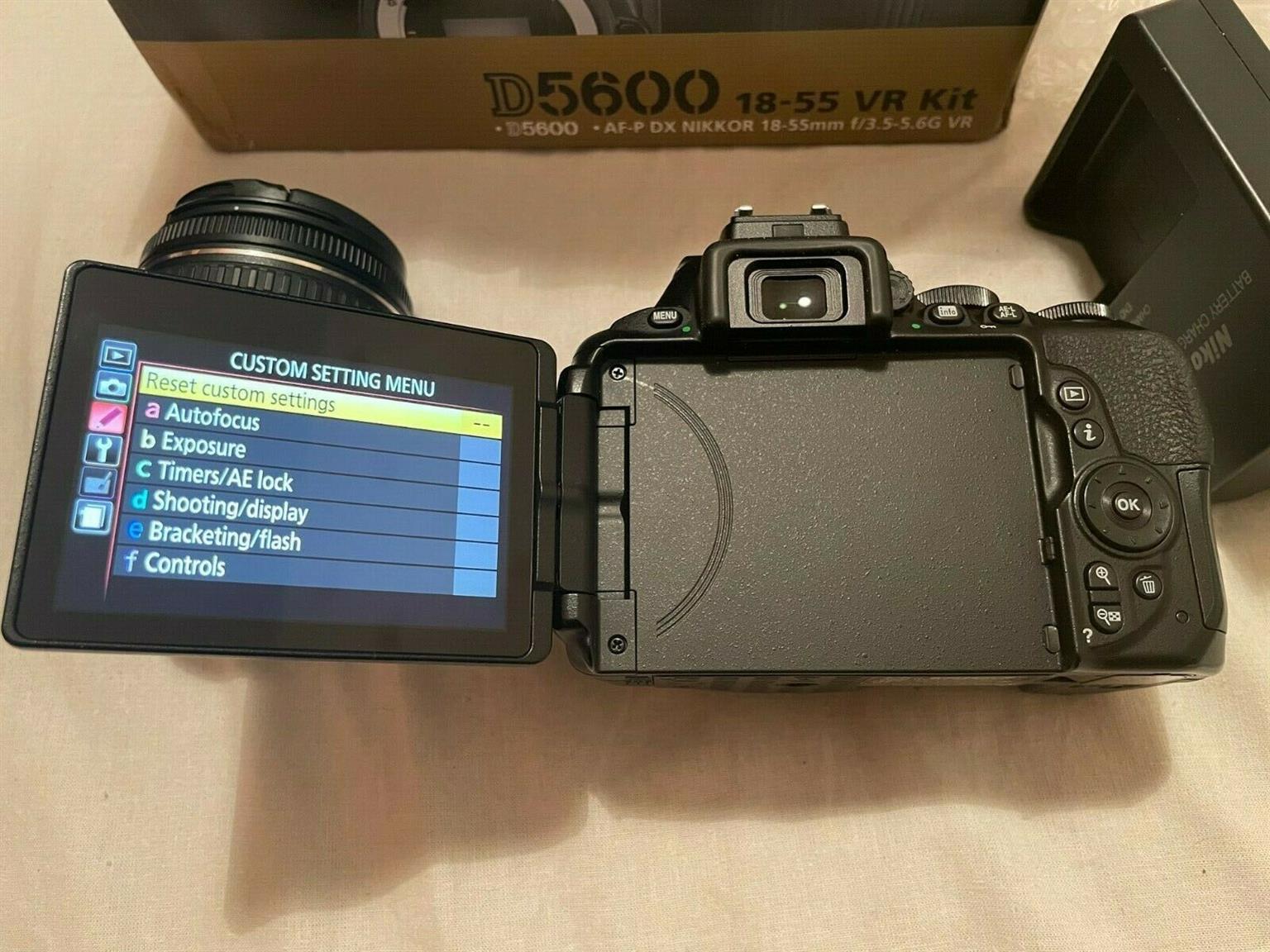 Nikon D5600 with 18-55mm Lens Kit