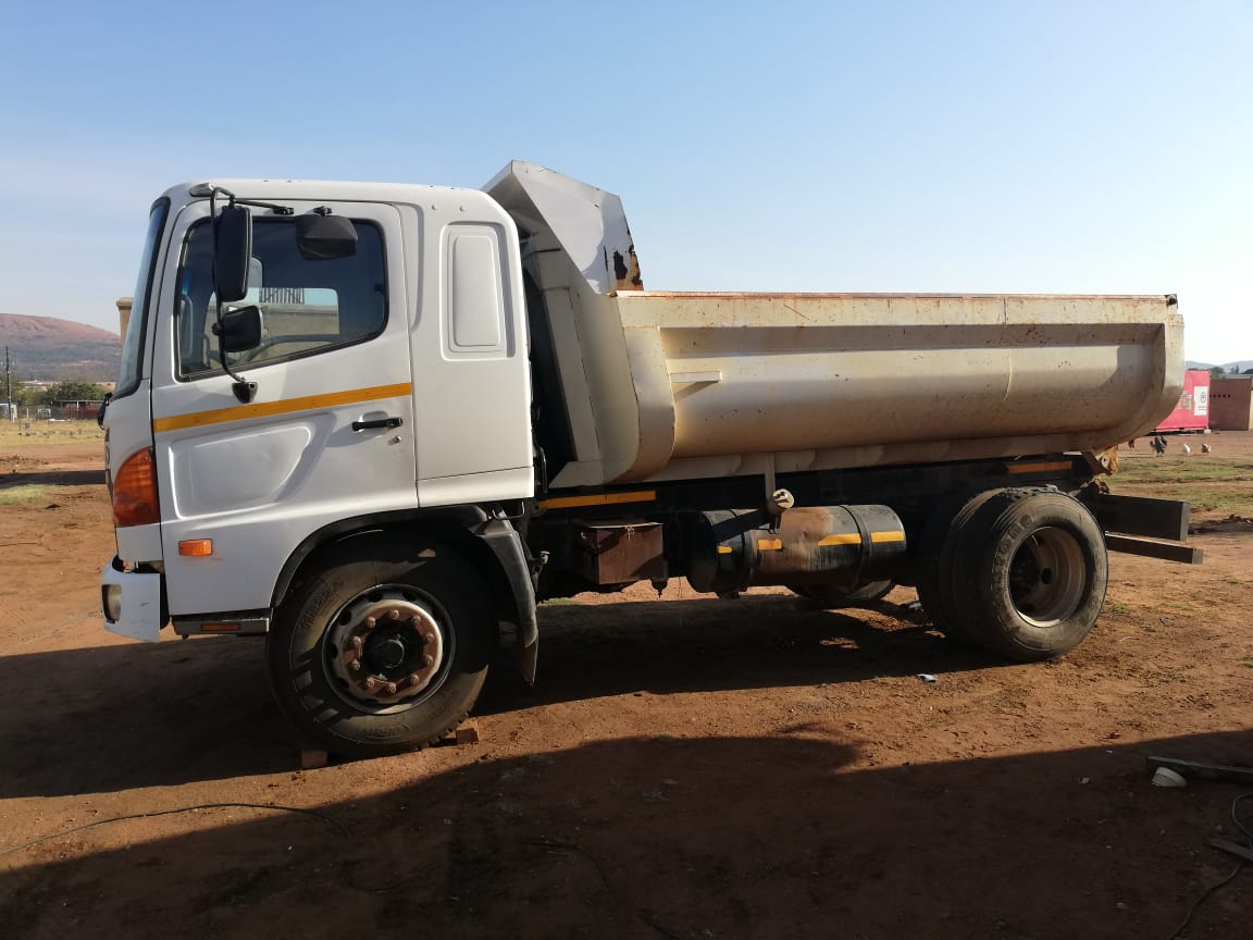 Hino 500 JO8 engine tipper For SALE
