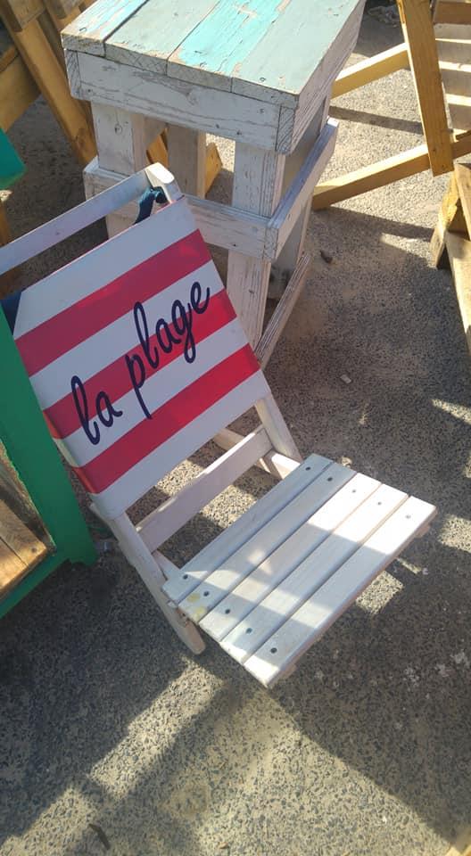 La plage wooden pallet recliner chair