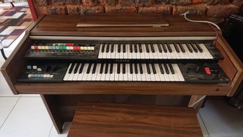 Old Yamaha Electronic organ give away