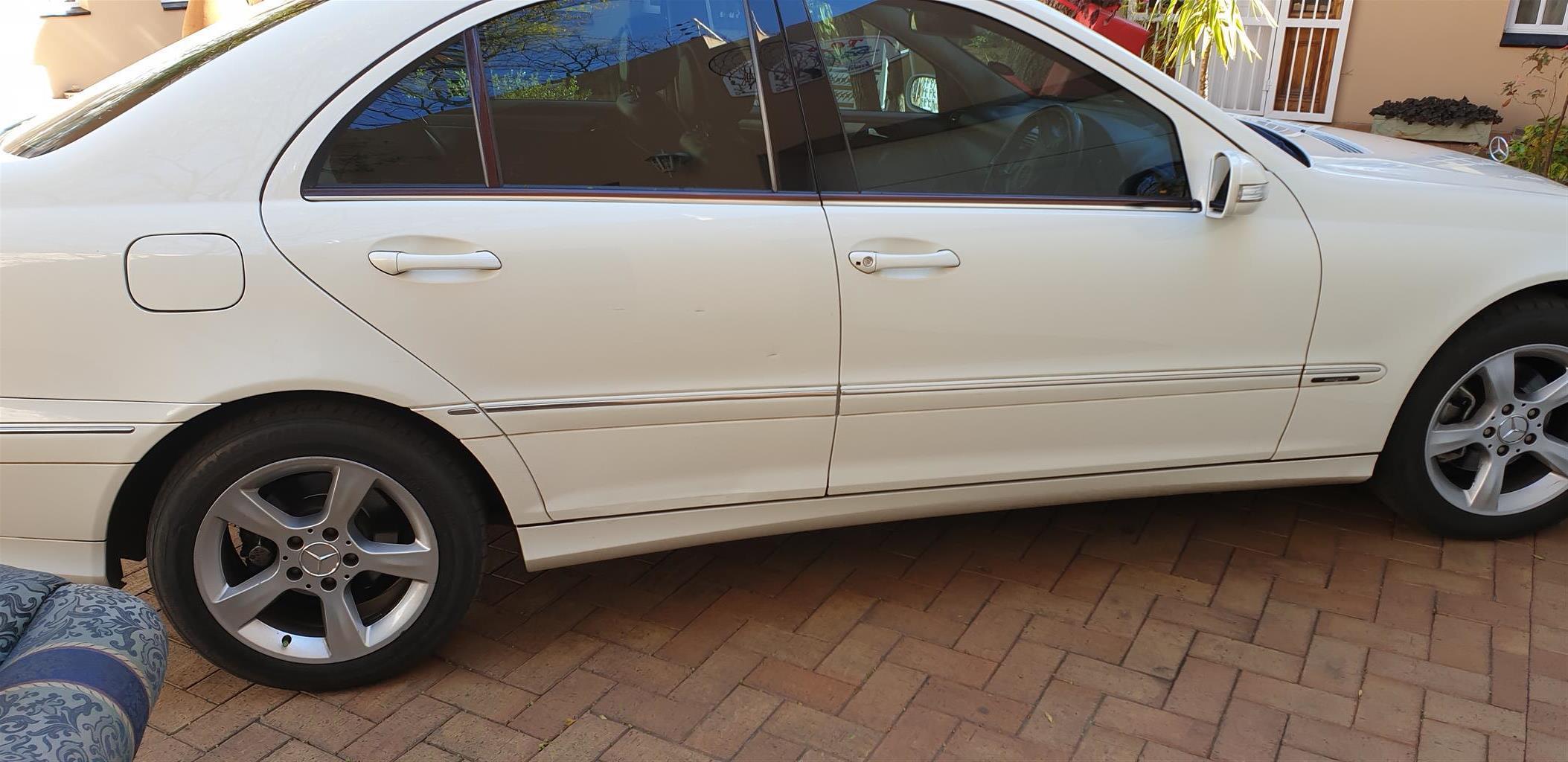 2007 Mercedes Benz 200E