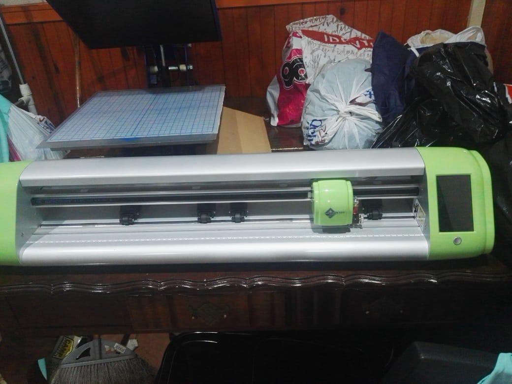 Vinyl printer and Heat Press