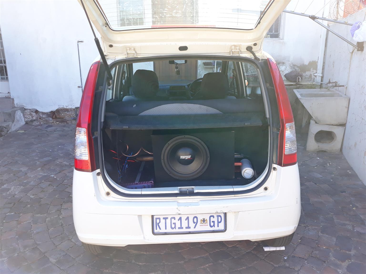 2004 Daihatsu Charade CXL