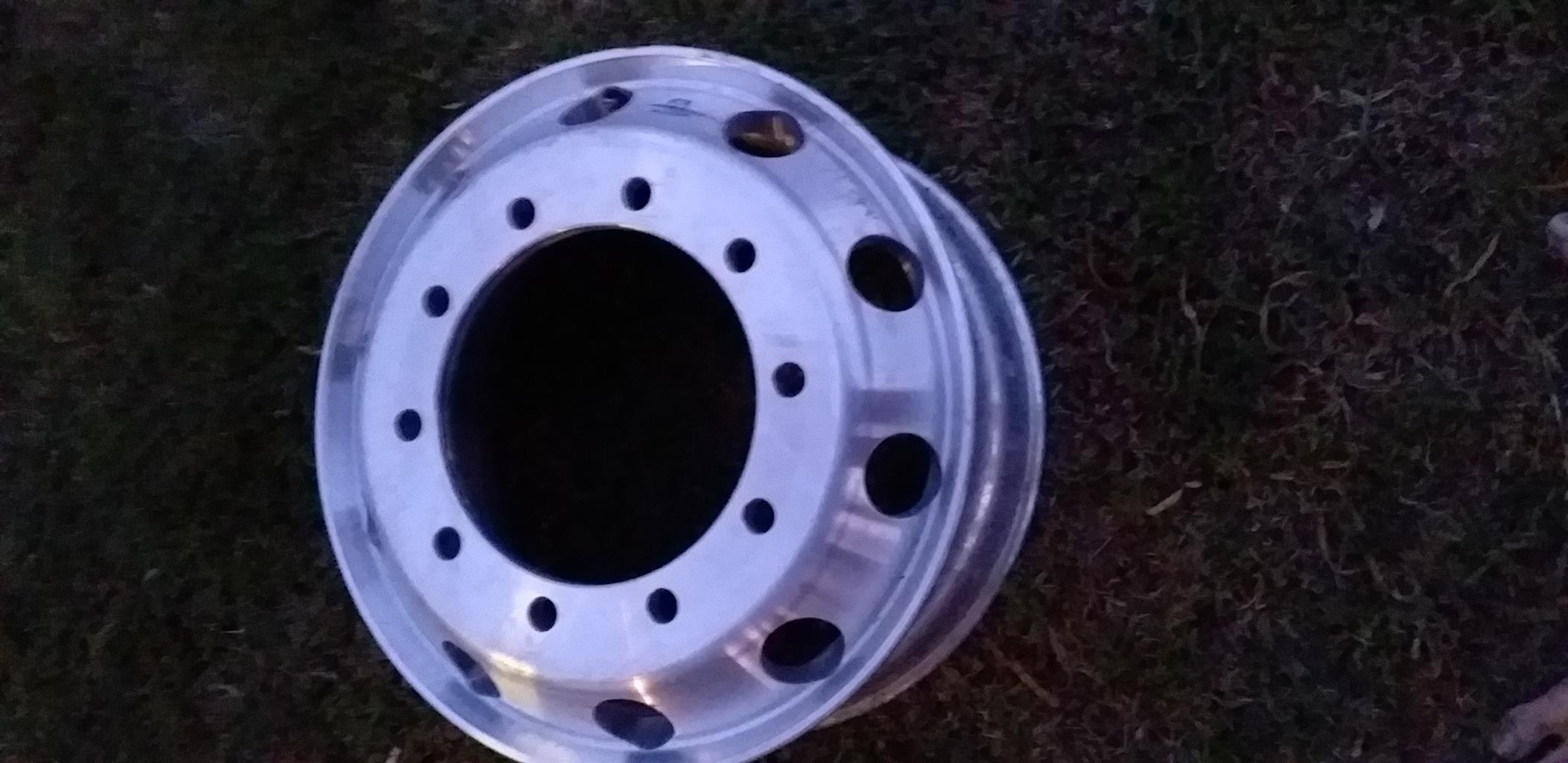 Alcoa allumium rim 26mm hole brand new worked 100 km