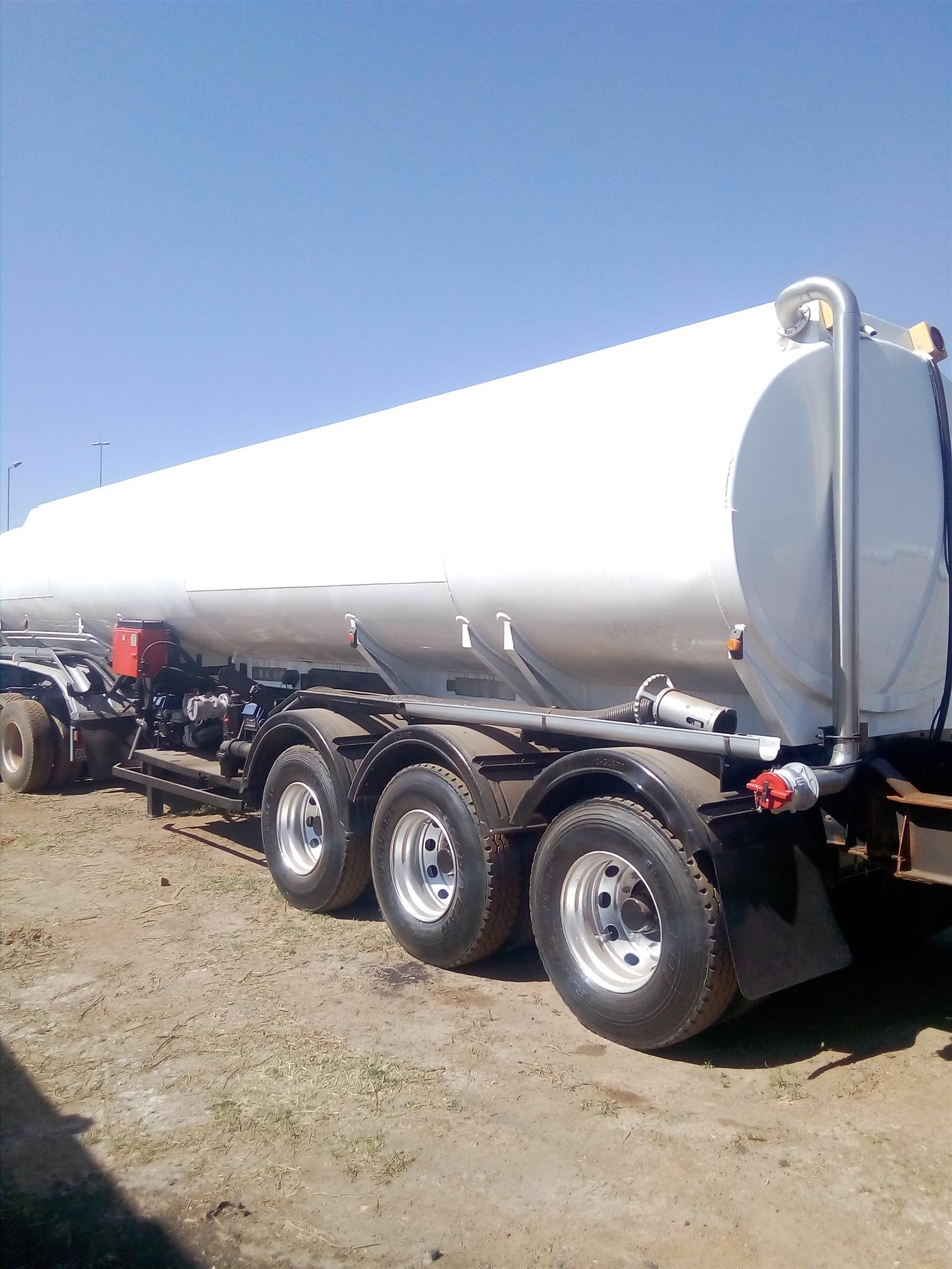 Contact seller Big Sale !!!!!! We have more than 1000 units of Trucks and Trailers for sale At the one of our stands in Boksburg at the Best Price and Best condition, HORSE STARTS FORM 300K ;ASHTON 0611005873
