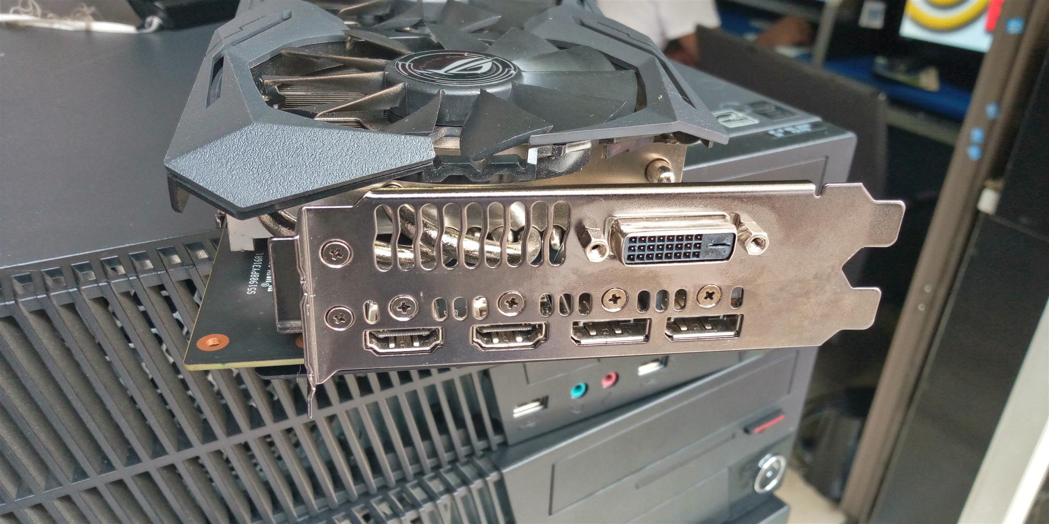 ASUS Strix Radeon RX580 8GB GDDR5 with Aura Sync RGB