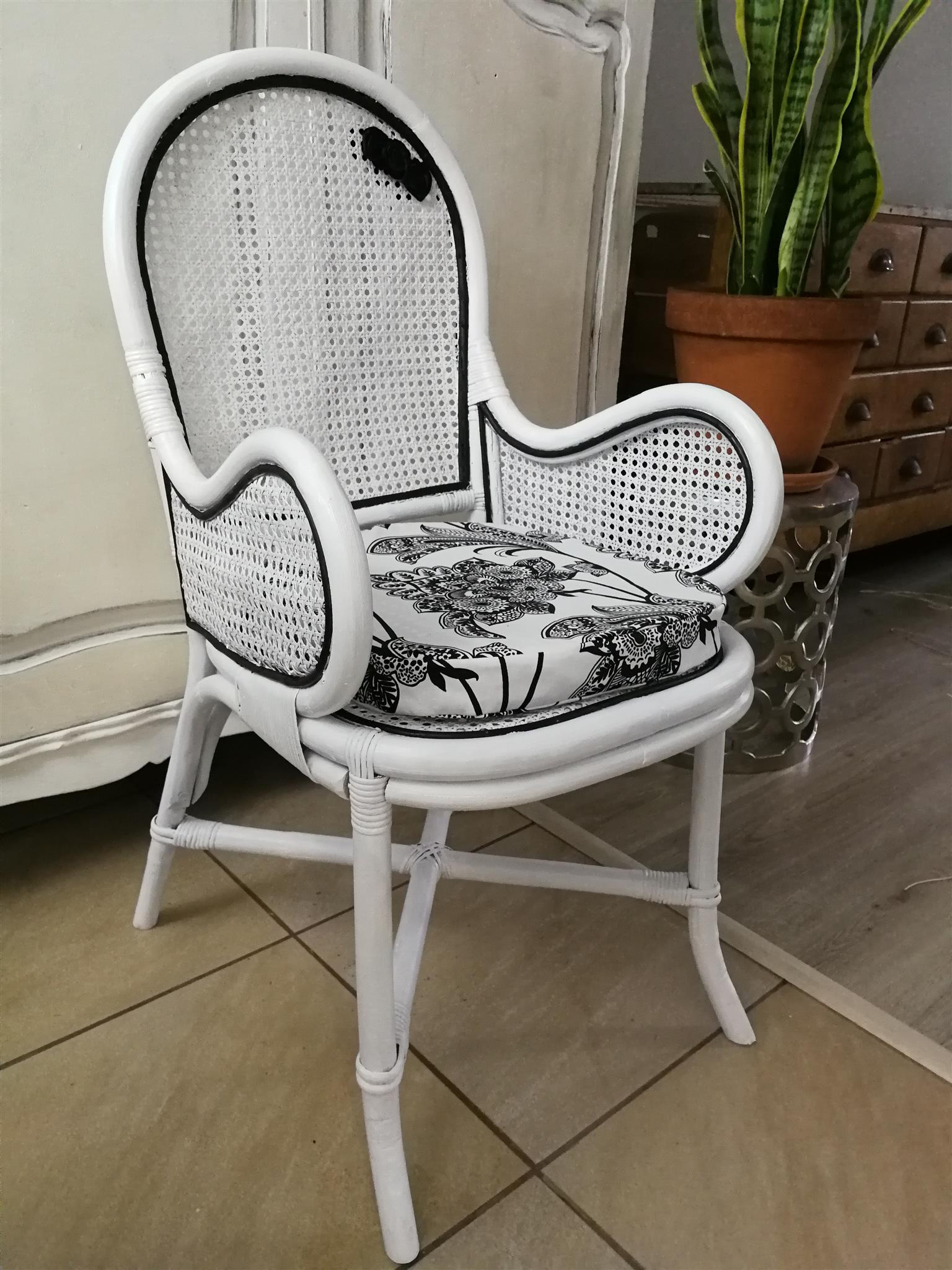 Refurbished Antique Wicker deco chair