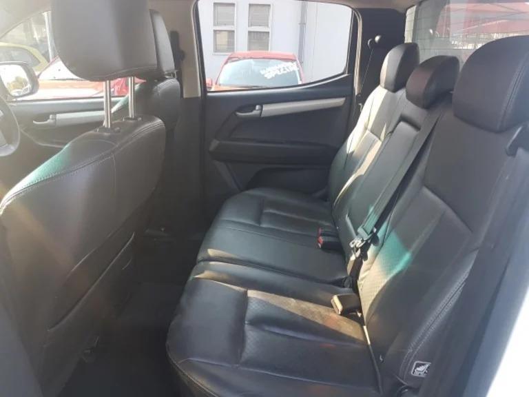 2016 Isuzu KB double cab KB 300 D TEQ LX A/T 4X4 P/U D/C