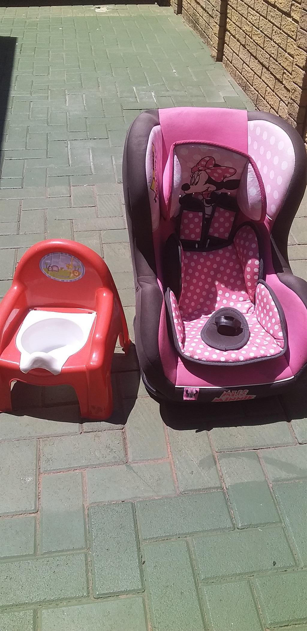 Baby girl car seat for sale urgently