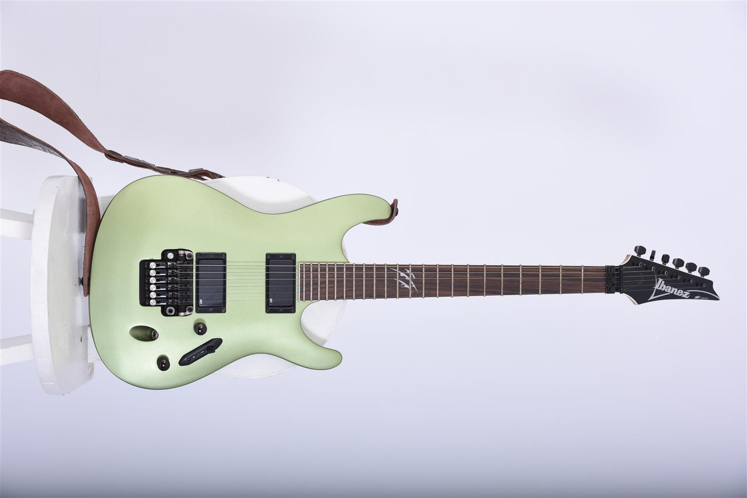 Electric guitar Ibanez S 520 Ex Series