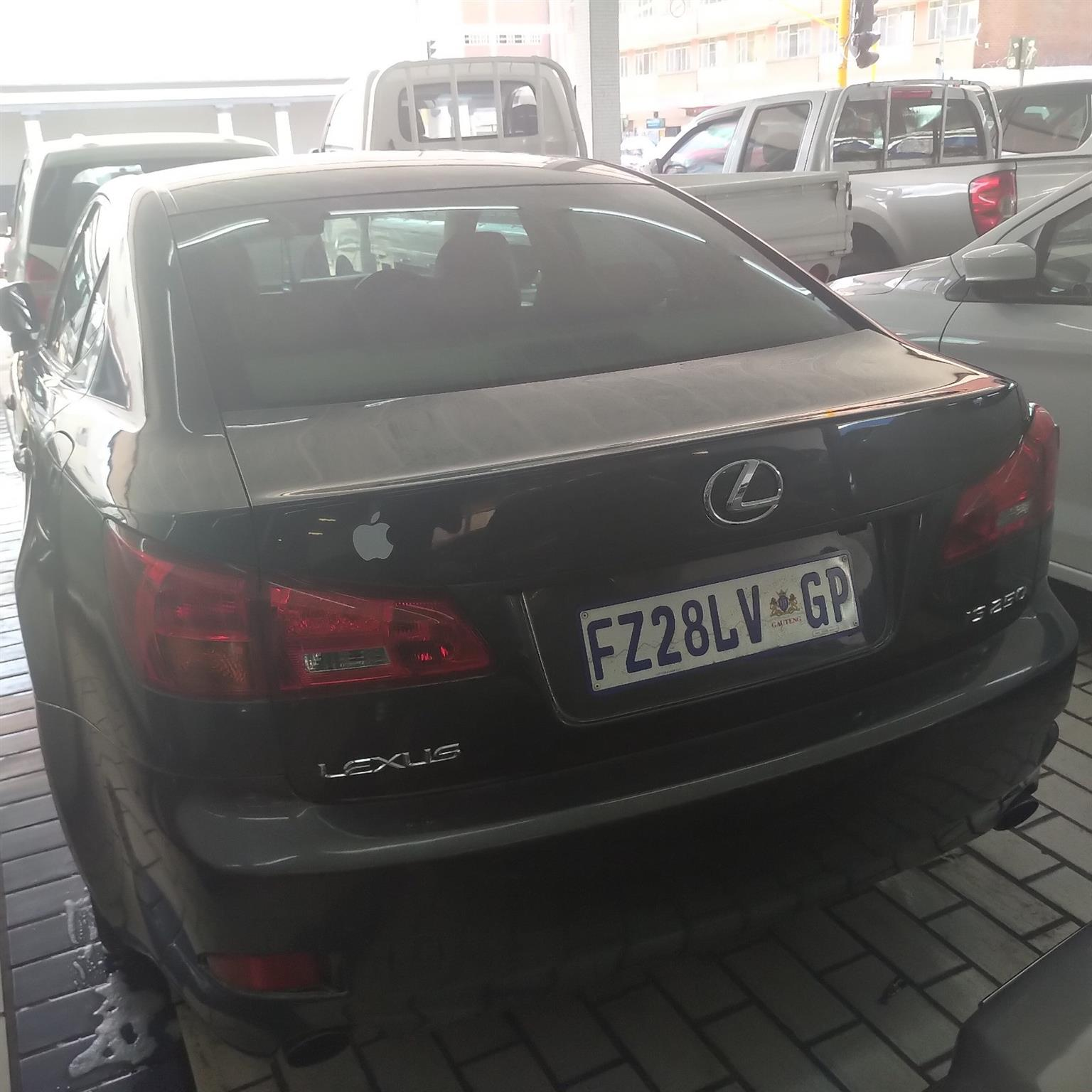 Lexus is250 stripping for spares